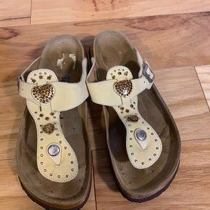 Betula by Birkenstock heart embellished sandals.L7